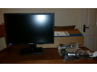 """Samsung S19C200 KBW 19"""" Widescreen 1440x900p LED Monitor"""