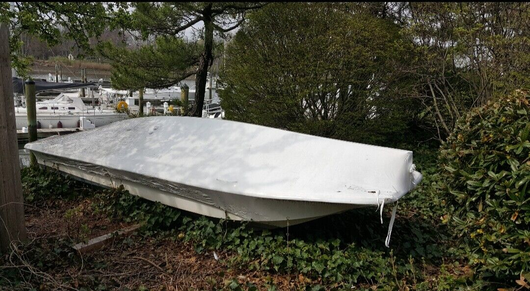 Carolina Skiff 1999 16' with 20 HP Mercury Outboard nearly new (30 hours)