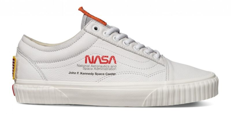 f07e1944c55 NASA x Vans Old Skool Space Voyager True White Authentic VN0A38G1UP9 ...