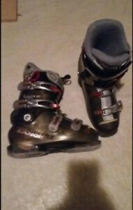 Lange ski boots ladies.... 25.5
