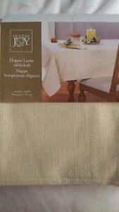 2 New Elegant Lustre tablecloths(gold flecks):1 round & 1 oblong