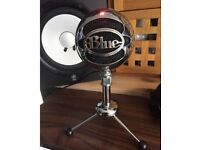Blue Condenser USB microphone with stand
