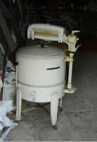 Laveuse ANTIQUE    -    ANTIQUE washing machine