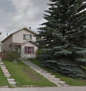 Two Storey House for Rent in Casstledale