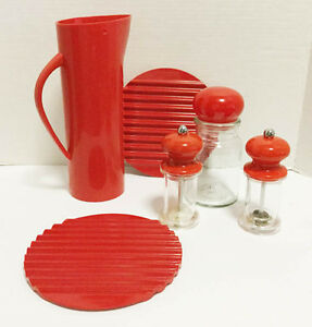 Red Plastic Kitchen Collection