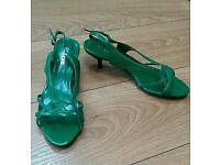 Women's emerald green kitten heels size 6