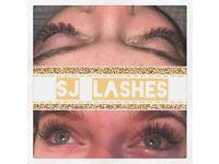 Classic 1:1 Eyelash extensions Semi Permanent Romford Essex London £30