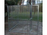 Galvanised Dog Kennel/ 4 panels 1 with door.