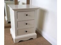 Ivory Bedside table : Great condition