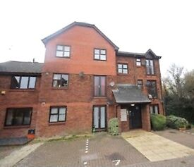 2 Bed flat/Apartment to rent in Remleaze with 2 parking space SN5 area