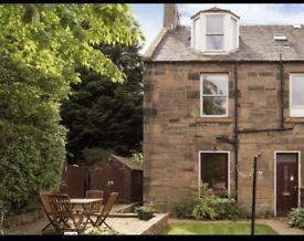 To Let 2 Bedroom Groundfloor flat w/ Private Garden & Parking