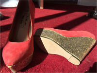 Woman's coral wedges size 3
