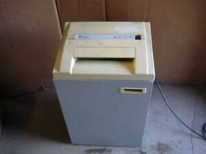 Fallowes PowerShred 320 shredder available for free – pickup req