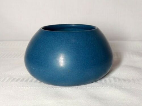 MARBLEHEAD POTTERY, TAPERED SQUAT BLUE VASE, PLANTER, MARBLEHEAD BLUE~~