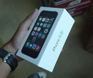 iPhone 5S 32GB **Like New!**