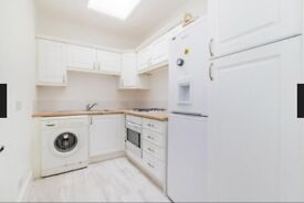 Stunning 2 bedroom flat seconds away from West Brompton