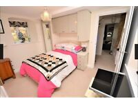 Double Bedroom with Ensuite - £650