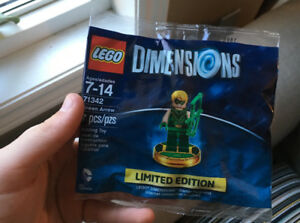 Fan Expo Canada Green Arrow Lego Dimensions mini figure (in bag)