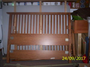 Palliser Queen Size Bed