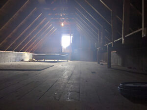 Large garage with power for rent in downtown Lindsay Kawartha Lakes Peterborough Area image 2