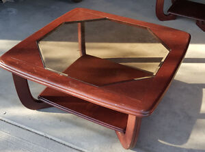 Coffee Table with 2 End Tables Very Nice