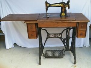 1910 SINGER TREADLE SEWING MACHINE