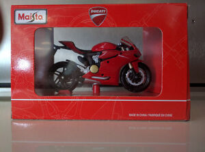 Maisto Ducati 1199 Panigale Toy Model