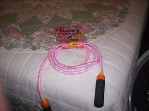 PINK SKIPPING ROPE 7' WITH NICE GRIP HANDLES (Light handles) Kingston Kingston Area image 2