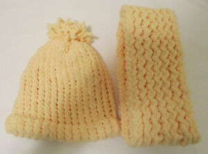CHRISTMAS HOLIDAY SALE - KNITTED HATS AND SCARVES Windsor Region Ontario image 4