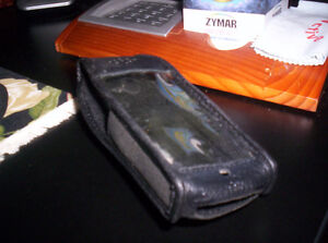 phone holder that can be cliped on purse or belt or pants etc