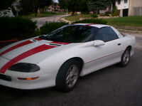 1996 Chevrolet Camaro White Coupe (2 door)