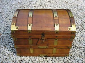 Antique Blanket Boxes, Coffee Tables or Storage Benches Gatineau Ottawa / Gatineau Area image 7
