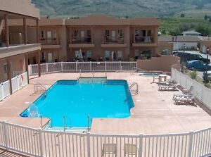 Osoyoos Beautifully Furnished Condo Lakefront Resort