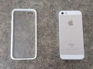Rogers/Fido iPhone SE White/Silver 16GB in mint condition