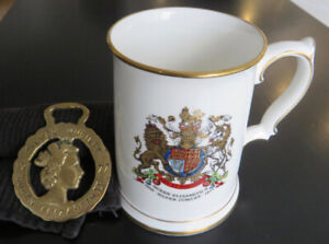 Queen Elizabeth Silver Jubilee (1977) Mug and Horse Brass