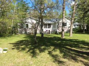 Holiday cottage in Ponemah! by Lake Winnipeg & sandy beach