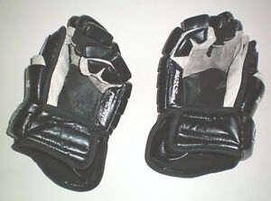TPS Response R6 Senior 13 Inch Hockey Gloves London Ontario image 2
