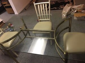 Used glass table  5ft x3ft  Must pick up