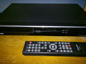 Toshiba DR430 DVD Recorder with 1080p Upconversion Like New