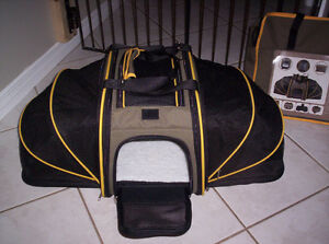 New duke and daisy dog travel carrier