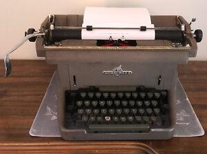 Dactylo Underwood / Underwood Typewriter