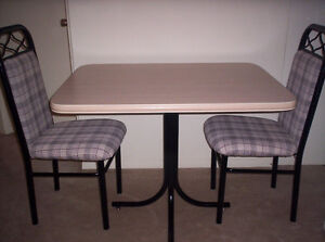kitchen table with 2 chairs,computer desk, camping kitchen