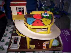 garage fisher-price vintage