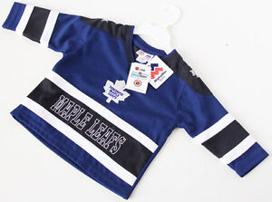 Toronto Maple Leafs Jersey Size: 18M