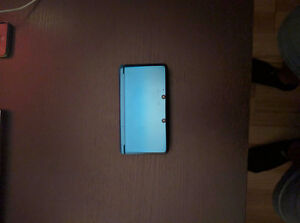 Chrome Blue Nintendo 3DS, Three games, Charger and Case