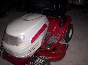 tracteur a gazon hydrostatique