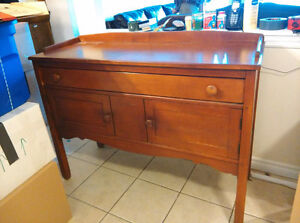 sell for moving low price the last wood hutch