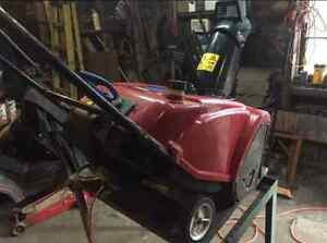 █ █ █ Toro 721 single stage rubber paddle snow blower █ █ █