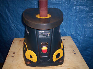 OSCILLATING SPINDLE SANDER AND TABLE