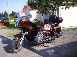 1 1983 Honda Goldwing & 1 1985 Yamaha XJ 700 Maxim